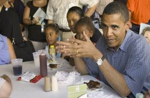 White House Chef Won't Say Whether He Bakes or Fries Obama's Chicken